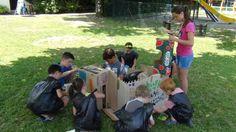 Creatief met karton en vuilniszakken op Camping Ferme de la Serraz