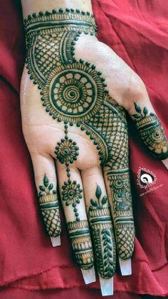 Circle Mehndi Designs, Latest Arabic Mehndi Designs, Henna Tattoo Designs Simple, Back Hand Mehndi Designs, Latest Bridal Mehndi Designs, Mehndi Designs Book, Mehndi Designs For Beginners, Mehndi Designs For Girls, Unique Mehndi Designs