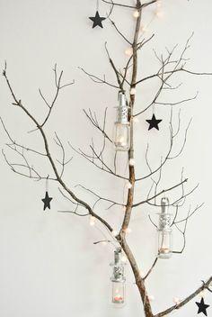 Kerstversiering van een simpele tak