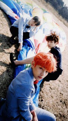 suga yoongi jungkook v taehyung bts Jungkook V, Bts Bangtan Boy, Bts Hyyh, Bangtan Bomb, Billboard Music Awards, Foto Bts, Yoonmin, Jung Hoseok, Seokjin