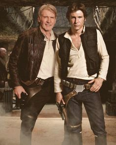 Han Duo: Harrison Ford, dressed in his iconic Han Solo gear, stands next to a younger version of himself in the original Star Wars films Star Wars Film, Star Wars Art, Star Wars Han Solo, Sylvester Stallone, George Clooney, Brad Pitt, Michael Jackson, George Michael, Images Star Wars