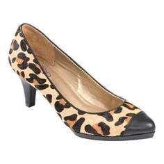 Bring out your wild side with the sleek Alessa 9 pump. Stylish yet comfortable featuring a padded insole that takes you from the office to the weekend. Feature 1 Feature 2 Feature 3.
