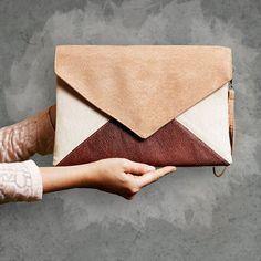 Pochette lettre Medium beige toffi marron - sac à main / sac à main - végétalien / eco / faux / cuir / daim - bracelet / poche - demoiselle d