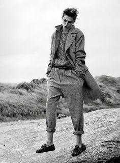 Editorial Vent Du Nord Vogue Paris October 2014 Model: Andreea Diaconu Photographer: Gregory Harris Fashion Editor: Véronique Didry Hair: James Raw Makeup: Lisa Houghton