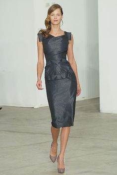 Roland Mouret Fall 2005 Ready-to-Wear - Collection - Gallery - Style.com