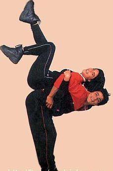 Rahul & Anjali in Kuch Kuch Hota Hai Shahrukh Khan Family, Shahrukh Khan And Kajol, Shah Rukh Khan Quotes, Shah Rukh Khan Movies, Bollywood Couples, Bollywood Actors, Beautiful Bollywood Actress, Most Beautiful Indian Actress, India Actor