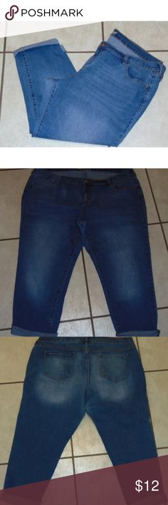 Old Navy Boyfriend Jeans - Size 18 Old Navy Boyfriend Jeans.  Size 18.  Straight leg.  Purchased with legs rolled up at ankle.  Cotton/poly/spandex.  Pre-owned, gently worn, excellent condition. Old Navy Jeans Straight Leg