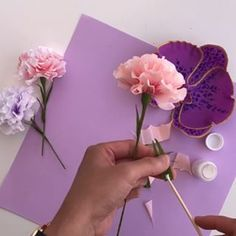 Bonus Tutorial for Flowersmith book - Paper Carnation   Use template A on page 173, ruffle the top edges, attach petals as shown then add some bracts. Skills required are on page 246. Have fun!  #flowersmith #papetalchannel #carnation