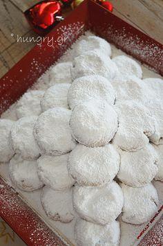 Greek Desserts, Greek Recipes, Greek Christmas, Kourabiedes Recipe, Greek Cookies, Biscotti Cookies, Butter Cookies Recipe, Kitchen Stories, Cookie Recipes