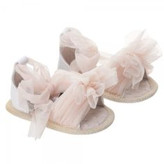 designer baby clothes: a peek into the world of a petite fashionista. Baby Girl Shoes, Girls Shoes, Toddler Girl, Baby Kids, Little Diva, Baby Couture, Little Fashionista, Crochet Shoes, Cute Baby Clothes
