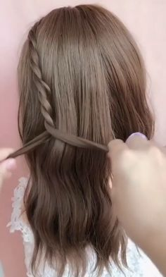 Trendfrisuren Chad, akkurater Mittelscheitel oder People from france Trim Kick the bucket Frisurentrends 2020 Easy Hairstyles For Long Hair, Diy Hairstyles, Japanese Hairstyles, Kawaii Hairstyles, School Hairstyles, Wedding Hairstyles, Hair Up Styles, Medium Hair Styles, Long Hair Video