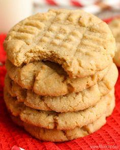 SOFT Peanut Butter Cookies Lil Luna, peanut butter cookies, Ever Soft Peanut Butter Cookies A Dash of Sanity. Peanut Butter Cookie Recipe Soft, Butter Cookies Recipe, Cake Mix Cookies, Cookies Soft, Cupcakes, Yummy Treats, Delicious Desserts, Sweet Treats, Cookie Recipes