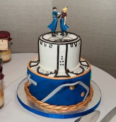 Fullmetal Alchemist wedding cake, topped with Roy and Riza Pretty Cakes, Beautiful Cakes, Amazing Cakes, Full Metal Alchemist, Anime Cake, Anime Wedding, Fullmetal Alchemist Brotherhood, Cupcake Cakes, 3d Cakes