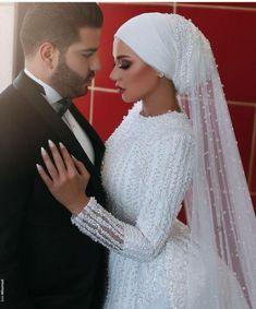 65 Ideas for wedding veils hijab muslim brides Hijab hijab bride Muslim Wedding Gown, Hijabi Wedding, Wedding Hijab Styles, Muslimah Wedding Dress, Muslim Wedding Dresses, Muslim Brides, Wedding Attire, Wedding Gowns, Wedding Cakes