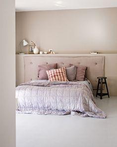 Een hoofdbord maken voor je bed staat erg luxe en is zo gedaan! Hier de beschrijving met het gaatjesboard