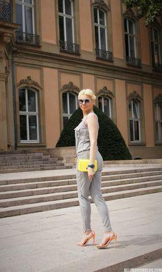 комбинезон в летнем луке - как носить комбинезон - летний образ с комбинезоном и яркими аксессуарами