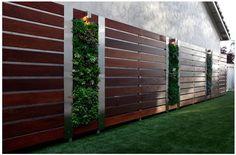 Современные парканы для загородних домов http://moydom.ua/uslugi/zabory-i-vorota-dlya-vashego-doma.html