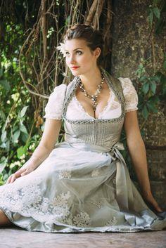 Drindl Dress, Maid Dress, Lovely Dresses, Flower Girl Dresses, Lingerie Fine, German Women, Lolita, Feminine Dress, Girl Photo Poses