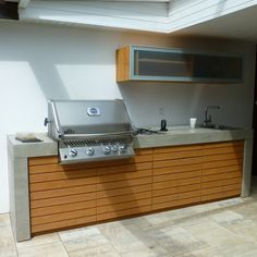 Concrete outdoor kitchen with Napoleon built-in barbecue - All For Garden Electric Barbecue Grill, Infrared Grills, Bbq Catering, Modernisme, Built In Grill, Outdoor Kitchen Design, Outdoor Kitchens, Grill Design, Evening Meals