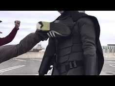 You don't need a billion-dollar bank account and an unresolved childhood trauma to become Batman. Jackson Gordon rocks his Batman outfit. Drunk College Girls, College Humor, Costume Batman, Batman Suit, Best Cosplay, Awesome Cosplay, Jackson, Combat Armor, Spy Gear