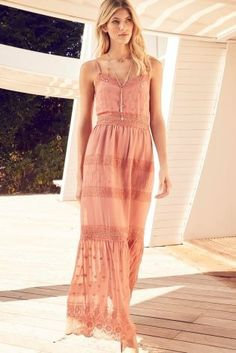Pretty in pink! This beaut maxi dress will make a perfect addition to your summer wardrobe, no matter what the occasion!