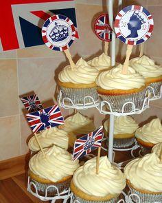 Lemon Curd Cupcakes mit Zitronenpuddingcreme (von der Tassenkuchen - Bäckerei)