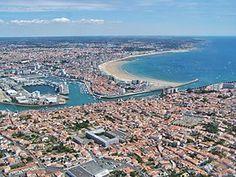 Vue aérienne des Sables-d'Olonne en 2010.