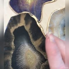 Resin Coasters made with MEYSPRING pigments - Gorgeous set of coasters made by using - Epoxy Resin Art, Diy Resin Art, Diy Resin Crafts, Acrylic Resin, Acrylic Art, Diy Crafts Videos, Arts And Crafts, Diy Epoxy, Stick Crafts