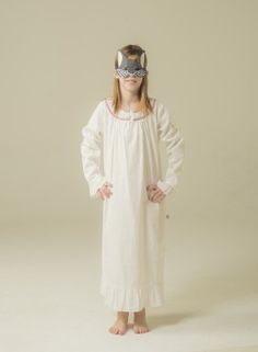 A classic that we all love! Sweet #nightie with braided neck from #Lettsdream. #cool #nice #fashion #camison #kidsfashion