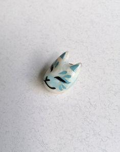 Cat Mask lapel pin Kitsune Mask, Cat Mask, Lapel Pins, Sculpting, Polymer Clay, Hand Painted, Cats, Handmade, Sculpture