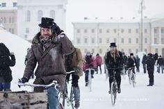 cities in snow photo: Helsinki  Winter Tweed Run tweedrun_kristakeltanen_36.jpg