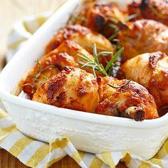 9 sült csirke, ami az ünnepi asztalon is megállja a helyét Chicken Recipe With Beer, Drunken Chicken, Chicken Recipes, Pappadeaux Alexander Sauce Recipe, Sauce Recipes, Seafood Recipes, Kitchen Recipes, Cooking Recipes, Cornish Hen Recipe