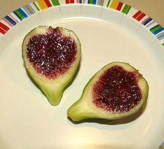 Strawberry Verte fig Fruit Seeds, Figs, Cucumber, Strawberry, Vegetables, Strawberry Fruit, Vegetable Recipes, Strawberries, Zucchini
