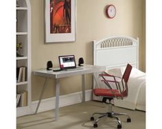Small office design layout ideas inspirational simple home decor ideas indian modern bedroom designs small layout Wood Office Desk, Home Office Desks, Small Kitchen Table Sets, Small Office Design, Bedroom Desk, Budget Bedroom, Bedroom Small, Desks For Small Spaces, Desk Plans