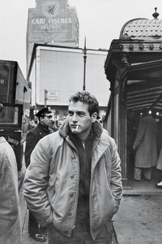 Paul Newman in New York, 1956. #vintage #1950s #actors