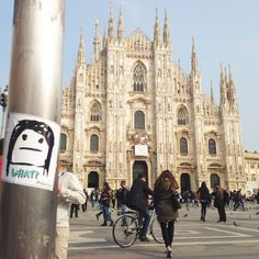 Milano, piazza Duomo.   #qbestyle #tshirts #tee #qbestyler #wear #style #stylish #graffiti #italy #travel #streetart #italianstyle #outfit #fashion #stickers #milano #milan #ilovemilano   qbestyle.com