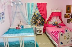 How Perfect! A Disney Frozen Bedroom for twins! It's exactly how Anna's bedroom and Elsa's bedroom would look!