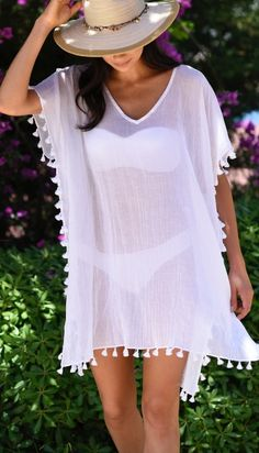 Buy this gorgeous Seafolly White Amnesia kaftan Beach Cover Up at Coco Bay. Free returns and Next Day Delivery on all our women's swimwear and beachwear. Beach Party Outfits, Summer Outfits, Cute Outfits, Vegas Outfits, Swimwear Fashion, Bikini Fashion, Diy Clothes, Clothes For Women, Beach Clothes