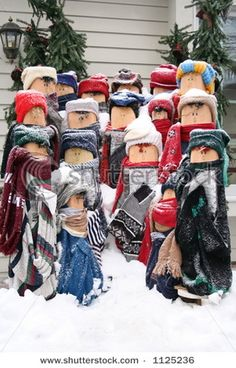 My sister used to make these carolers!  Directions at http://www.essortment.com/wooden-christmas-caroler-ornaments-52326.html