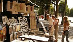 Om du derimot beveger deg nordover langs en av sidegatene til Champs-Élysées så kommer du til sentrum av det 8. Arrondissement og et meget egnet område for shopping innen haute couture og ekslusive klesmerker. Det er riktignok et motevarehus langs Champs-Elysées som er verdt et besøk – LE66. ta en titt på loppemarkedet Saint Ouen som ligger i det 18. Arrondissement eller Porte de Montreuil i det 20. Arrondissement.