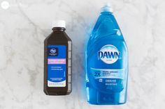 Jillee's Ultimate Stain Remover Spray Ingredients: 1 part Dawn dishwashing liquid 2 parts hydrogen peroxide Household Cleaning Tips, House Cleaning Tips, Diy Cleaning Products, Cleaning Hacks, Cleaning Solutions, Homemade Products, Cleaning Recipes, Cleaning Supplies, Stain Remover Dawn