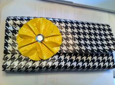 a lovely clutch from valerie's creations  http://valeriecreations.wordpress.com/awesome-products/finished-duct-tape-clutch/