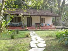 43 Super Ideas Farmhouse Small Cottage Dream Homes Village House Design, Village Houses, Spanish Style Homes, Spanish House, House With Balcony, Indian Home Design, Design Exterior, Exterior Paint, Mexico House