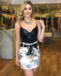 Looking very cute wearing beautiful V-neck style deep neck top with mini skirt Classy Outfits, Casual Outfits, Cute Outfits, Fashion Outfits, Super Cute Dresses, Simple Dresses, Short Dresses, Sexy Skirt, Dress Skirt