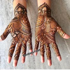 94 Easy Mehndi Designs For Your Gorgeous Henna Look Palm Mehndi Design, Indian Mehndi Designs, Mehndi Designs 2018, Stylish Mehndi Designs, Mehndi Design Pictures, Mehndi Designs For Girls, Mehndi Designs Book, Wedding Mehndi Designs, Hena Designs