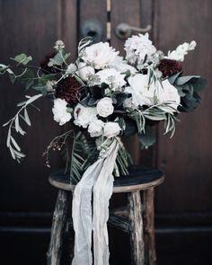Rose Apple Flowers / Lush, Romantic & Rambling Arrangements / View more: http://thelane.com/brands-we-love/rose-apple-flowers