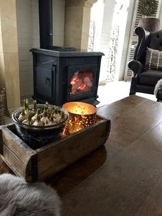 Stove, Home Appliances, Wood, Fireplaces, Van, Ideas, Fire Places, Accessories, Cute Ideas