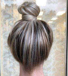 #TopknotTuesday SNEAK PEEK 😍 ... BY #THEBTCTEAM's @hellobalayage . . . . Balayage Top Knot styled with @gkhair Cashmere Hair Cream and Dry…