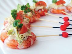 Prawn Cocktail Skewers – Big Get Together Canapes Menu, Wedding Canapes, Canapes Ideas, Skewer Appetizers, Appetisers, Fish Dishes, Seafood Dishes, Christmas Canapes, Christmas Snacks