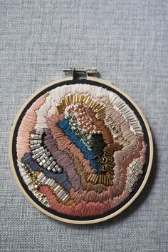 ideas embroidery designs by hand textile art awesome for 2019 Abstract Embroidery, Modern Embroidery, Embroidery Jewelry, Embroidery Hoop Art, Hand Embroidery Designs, Vintage Embroidery, Beaded Embroidery, Cross Stitch Embroidery, Embroidery Patterns